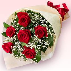 赤色バラの花束